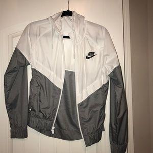 Jackets & Blazers - Nike Windbreaker